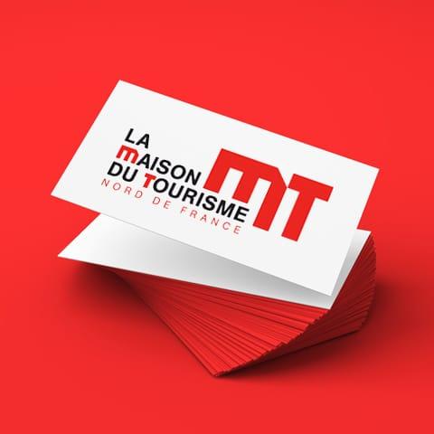 MAISON DU TOURISME : Construction d'un logo architectural de façon à évoquer un lieu plutôt que l'activité qu'il va héberger - Agence Linéal
